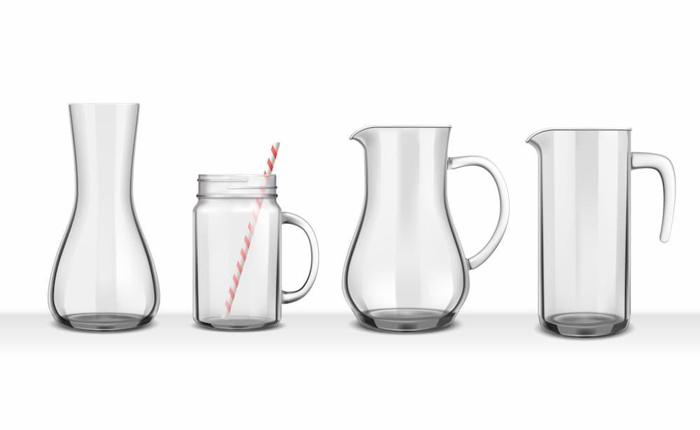 Taças e copos de vidro